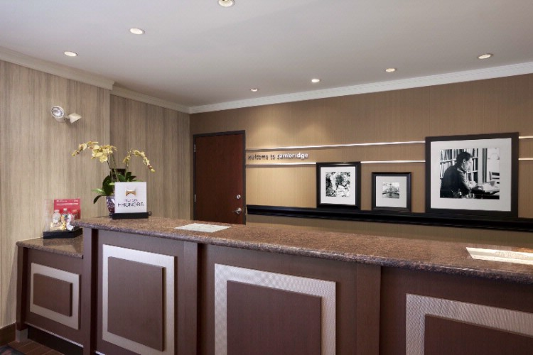Front Desk 5 of 14