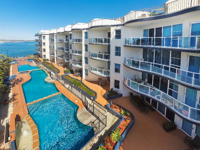 Watermark Resort Caloundra 1 of 5