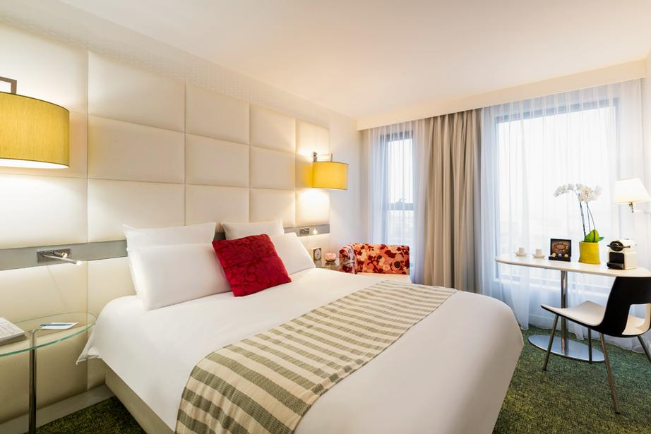 Double Room Mercure Le President Biarritz 9 of 13