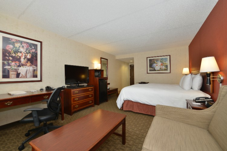 Hampton Inn East Aurora Business Center