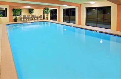 Indoor Heated Saline Pool 6 of 11