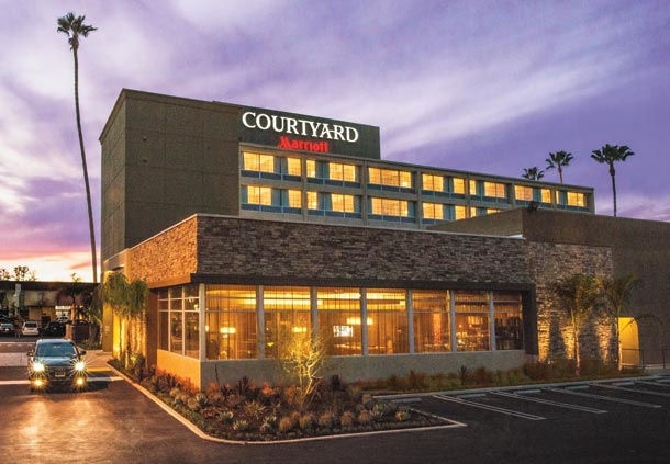 Courtyard by Marriott 1 of 19