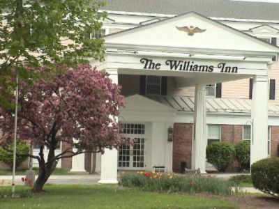 The Williams Inn 1 of 6