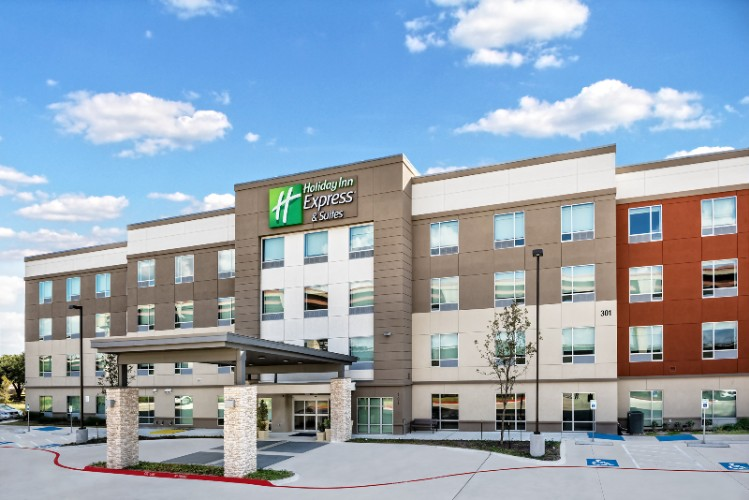 Holiday Inn Express & Suites Round Rock Austin North 1 of 11