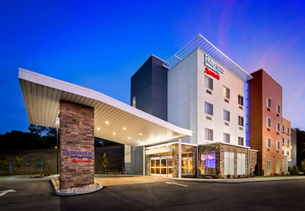 Fairfield Inn & Suites Monaca by Marriott 1 of 12