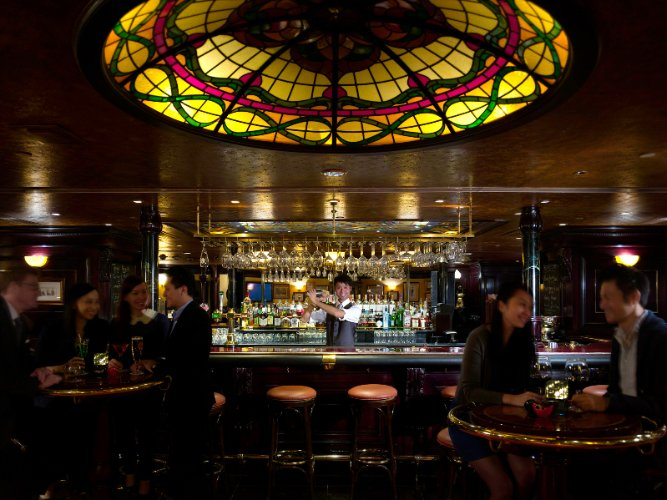 Tiffany\'s New York Bar 12 of 17