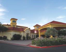 La Quinta Inn & Suites Scottsdale 1 of 5