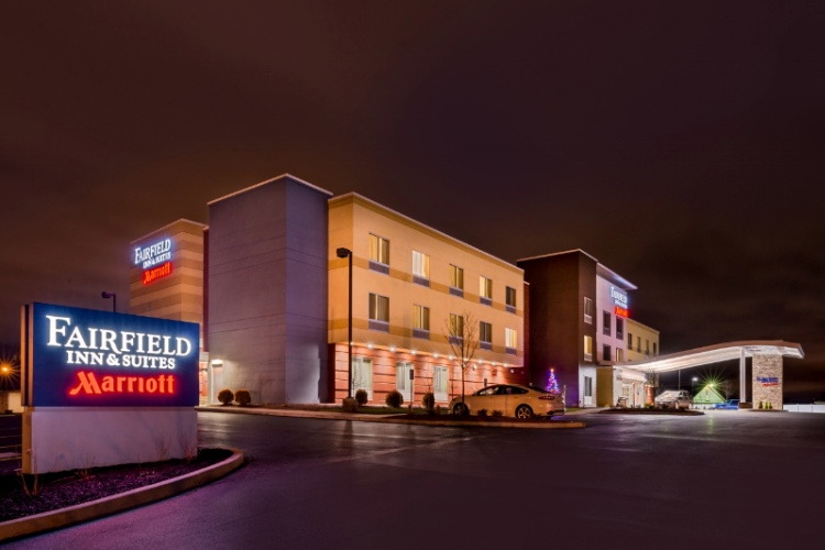 Fairfield Inn & Suites Utica 1 of 16
