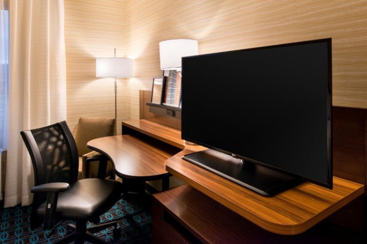 Our Huge 43in. Hdtv And Desk Area Make Relaxing Or Working Easy 15 of 16