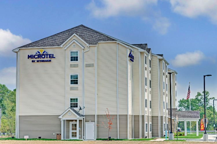 Microtel Inn & Suites Philadelphia Airport Ridley 1 of 16