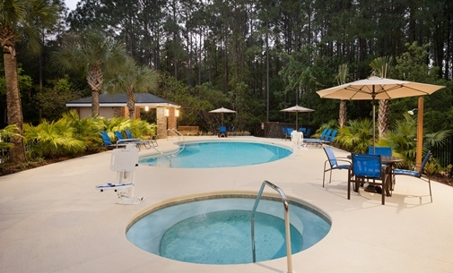 Outdoor Pool & Jacuzzi 14 of 14