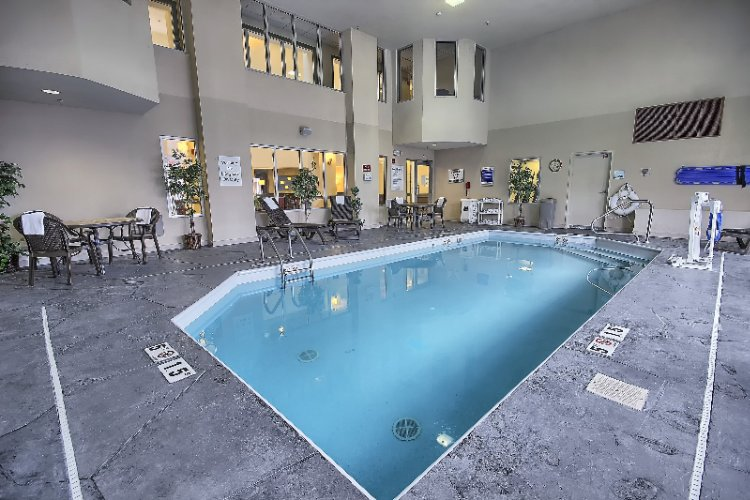 Indoor Heated Pool 13 of 16