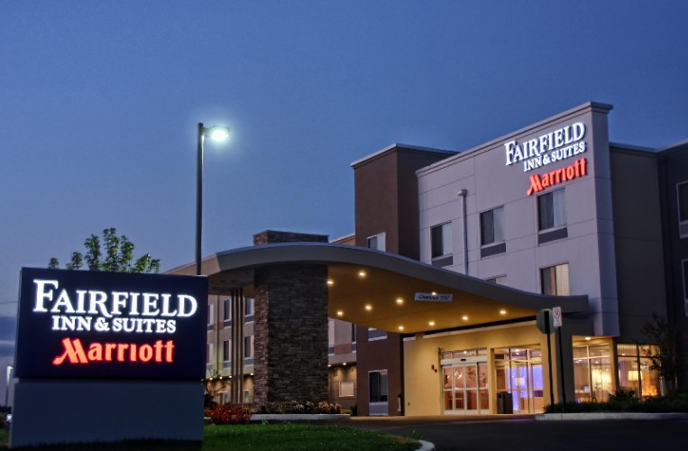 Fairfield Inn & Suites Willow Grove 1 of 7
