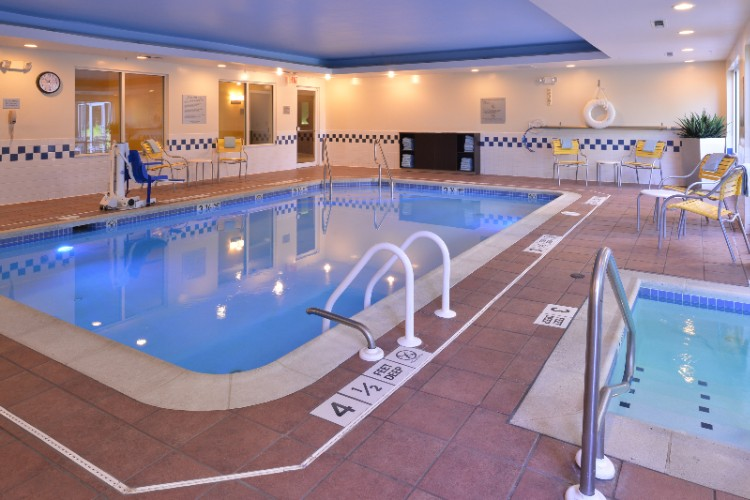 Heated Indoor Pool And Whirlpool 5 of 10