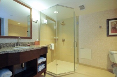 Executive Bathroom 7 of 9