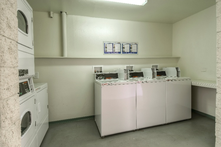 Guest Coin Laundry 10 of 13