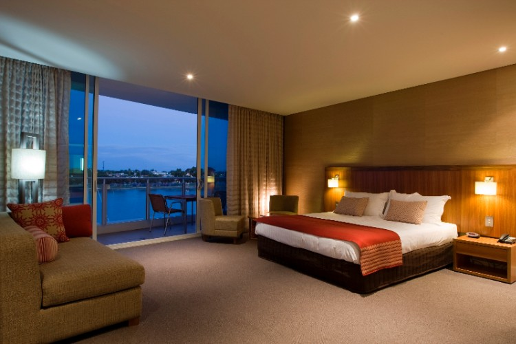 Water View Rooms Offer Magnificent Mandurah Estuary Vistas 10 of 16
