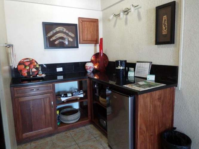 Caribbean Facing Unit -Little Kitchenette With Fridge 9 of 31