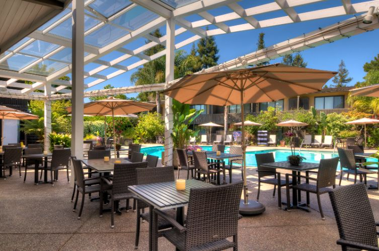Poolside Restaurant -Outdoor Patio (Group Events Of Up To 50 Guests) 7 of 31