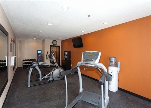 Fitness Center 9 of 16