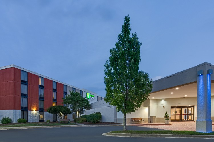 Image of Holiday Inn Express in Wilkesboro