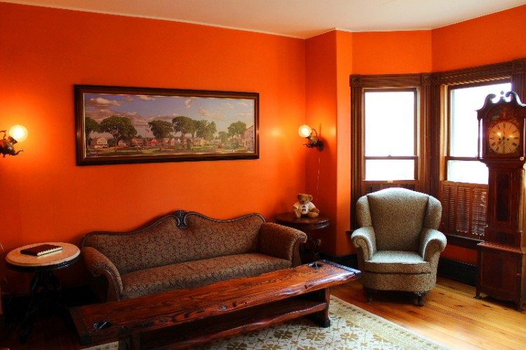 Main Inn: Living Room 3 of 7