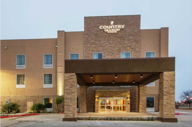 Country Inns & Suites 1 of 8