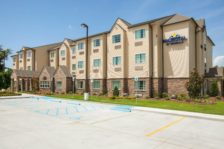 Microtel Inn & Suites Belle Chasse 1 of 8