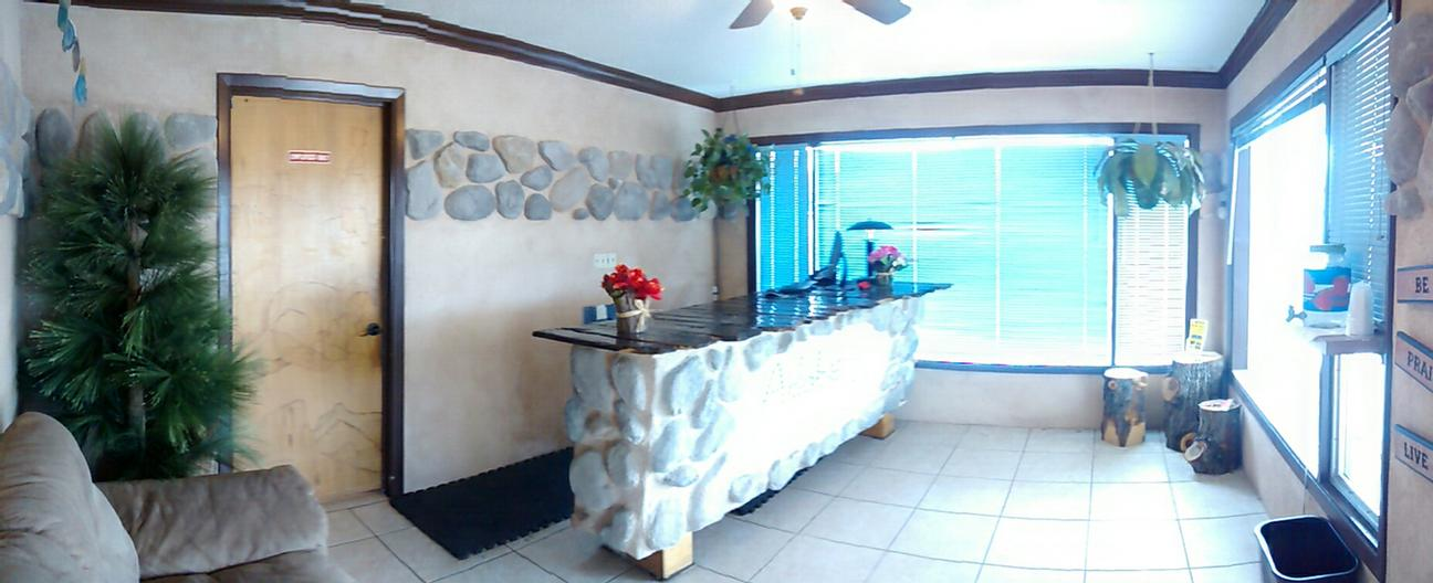 Front Desk Lobby 8 of 14