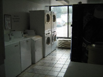 Motel 6 Guest Laundry And Vending 3 of 6