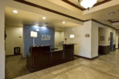 Reception Area 4 of 13