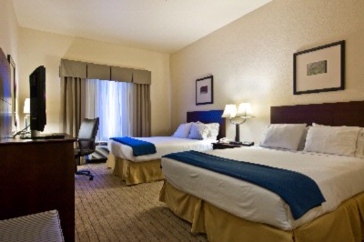 Two Queen Room 8 of 13