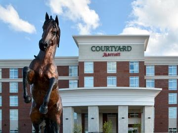 Courtyard Youngstown Canfield