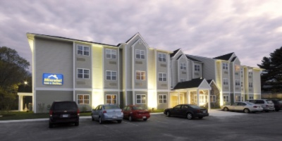 Microtel Inn & Suites by Wyndham York 1 of 11