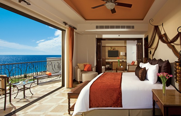 Master Suite Ocean Front Preferred Club 6 of 16