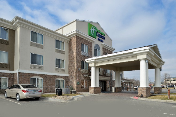 Holiday Inn Express Suites Omaha West 17677 Wright St