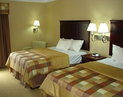 Room W/ 2 Beds 3 of 7