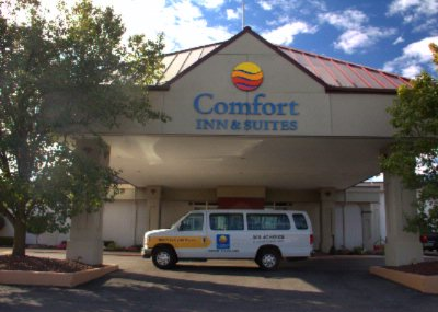 Comfort Inn & Suites 2 of 16