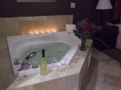 Whirlpool Tub In King Room 10 of 11