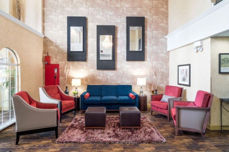 Welcome To Comfort Suites Las Colinas! 3 of 11