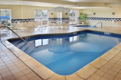 Fairfield Inn And Suites Indoor Pool 8 of 10