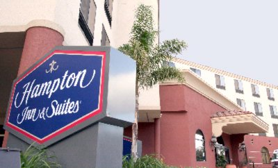 Hampton Inn & Suites Burbank 1 of 11