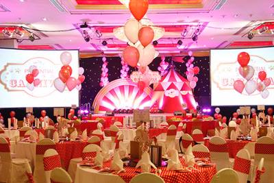Gala Dinner With Carnival Theme 13 of 15