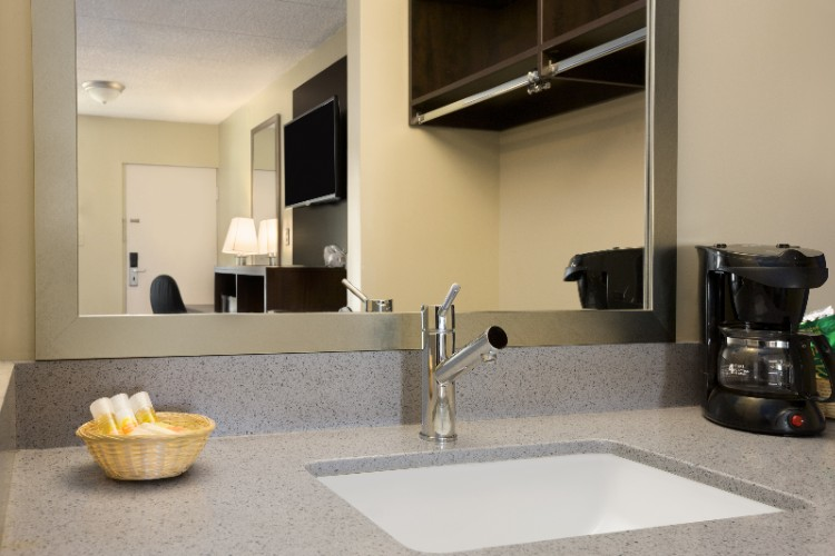 Modern Quartz Vanity And Sink 7 of 9