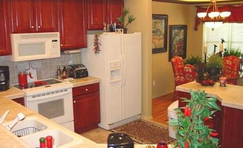 Fully Furnished Kitchen 3 of 15