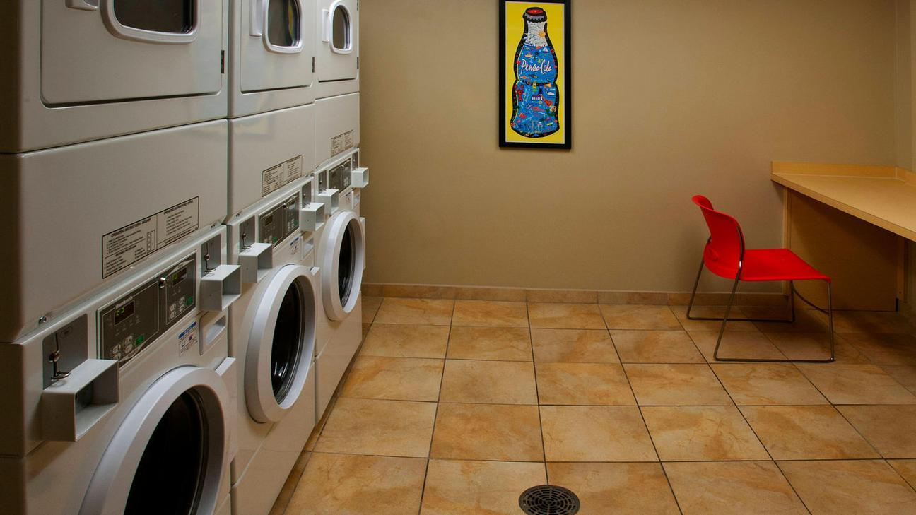 Laundry Room 10 of 15