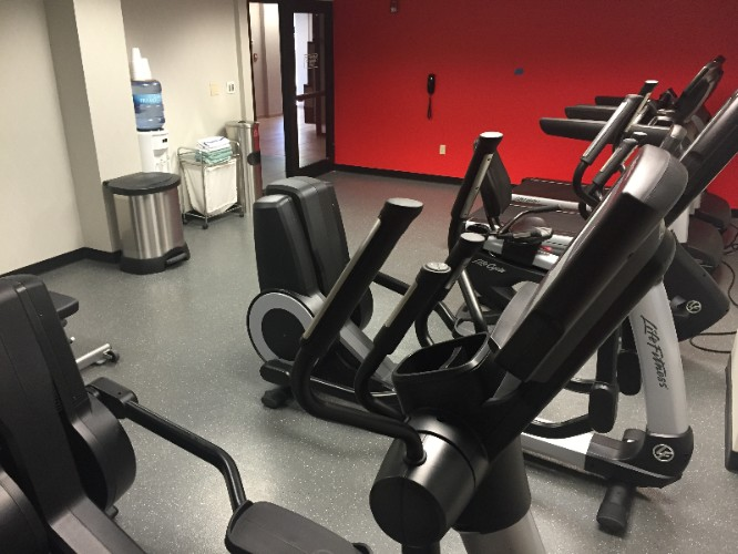 Fitness Center 14 of 15