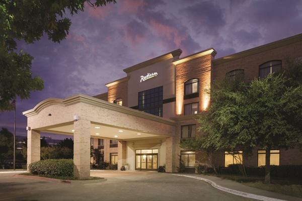 Radisson Hotel Dallas North Addison 4960 Arapaho Rd Tx 75001
