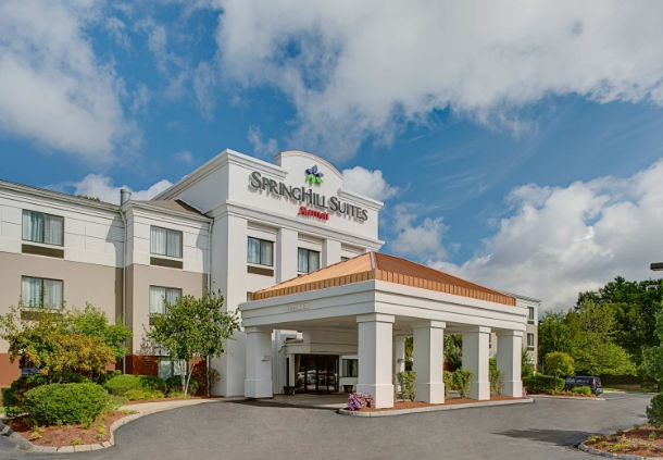 Springhill Suites Manchester Boston Regional Airport 1 of 8