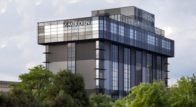 Le Meridien Chicago – Oakbrook Center